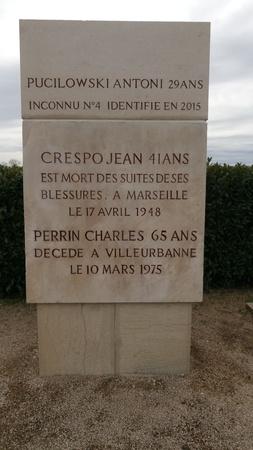 sculpture-gravure-Monument des Roussilles